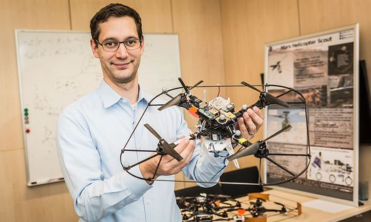 Das Fluggerät mit Know-how von Stephan Weiss kann vom Mars Bilder liefern, die nie zuvor ein Mensch gesehen hat