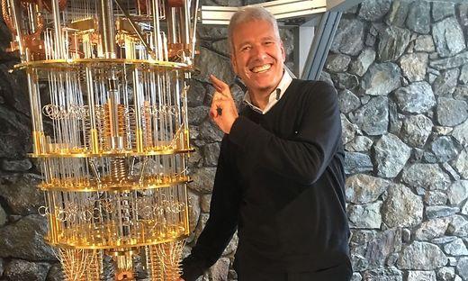 Christian Rätzsch (59) absolvierte das Gymnasium in  Lienz, studierte an der TU Graz, seit 1988 Karriere bei IBM. Er ist Technikvorstand (CTO) der IBM Systems Division für Asien und Pazifikraum in Singapur