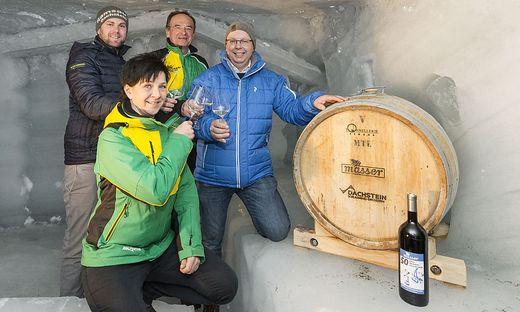 Planai-Gastronomiechefin Birgit Ackerl, Tourismusverband-Ramsau-Geschäftsführer Philipp Walcher, Georg Bliem und Peter Masser