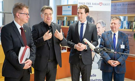Bundeskanzler Kurz, Vizekanzler Kogler und Sozialminister Anschober besuchen das Haus der Barmherzigkeit Seeboeckgasse