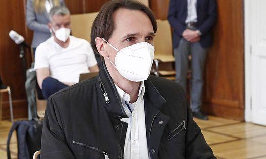 Beim Prozess in Klagenfurt trug Rutter noch eine FFP2-Maske. In Wien weigerte er sich