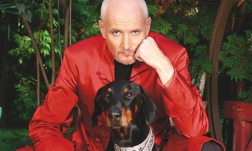 """Auf dem Cover von Arno Raunigs CD """"Back to the past"""", die in Kürze erscheint, ist auch Hund Pauli zu sehen"""