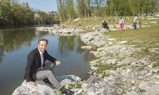 Bürgermeister Nagl hat die Augartenbucht vorzeitig freigegeben, um Grazer mehr Freiraum zu geben.