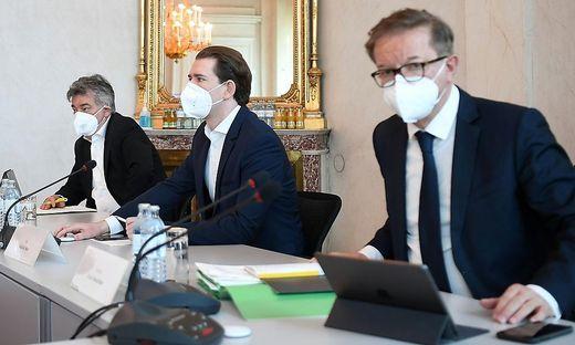 Empfingen den ganzen Tag lang Experten und Politiker: Kanzler Sebastian Kurz, Vize Werner Kogler und Gesundheitsminister Rudolf Anschober