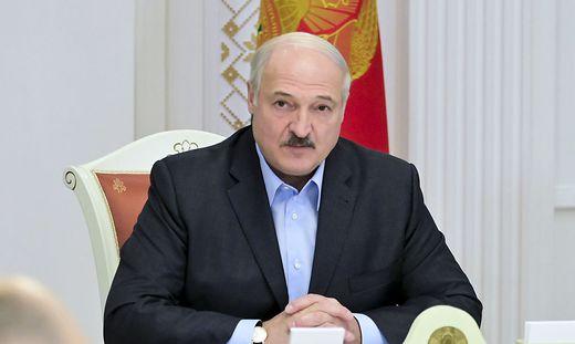 Setzt Lukaschenko sich nach Russland ab?