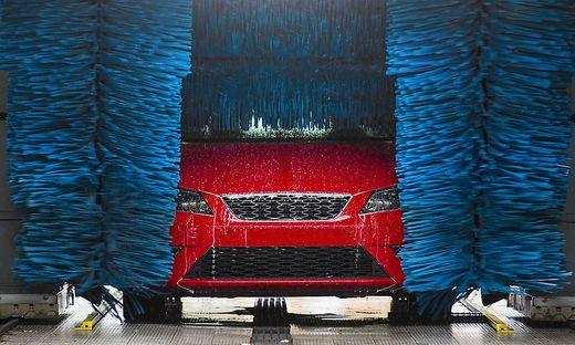 Wer zahlt, wenn das Auto in der Waschanlage beschädigt wird?