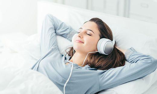 Musik und Texte, die das Einschlafen fördern