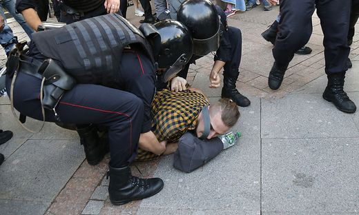 Sicherheitsbehörden verhaften in Moskau mehr als 1300 Demonstranten