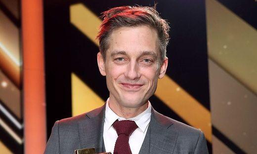 Schauspiel-Star Volker Bruch verteidigt die Aktion #allesdichtmachen