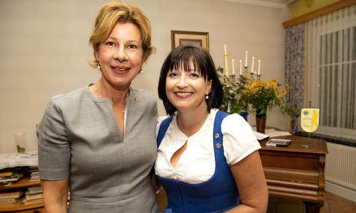 Ursula Pendl-Hofmann mit Yvonne Rottenmanner