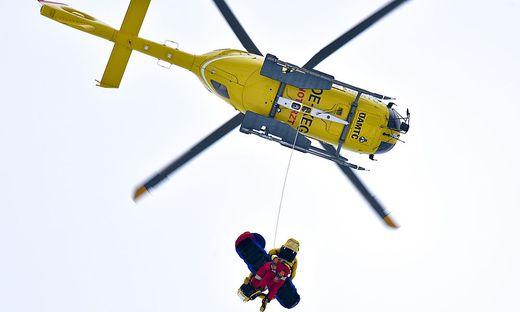 SKI-WELTCUP IN KITZBUeHEL: ABFAHRT DER HERREN / KOELL (SWE)