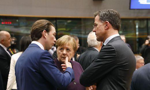 Bundeskanzler Sebastian Kurz und der niederländische Premier Mark Rutte stemmen sich gegen den Rettungsplan von Angela MerkelAPA