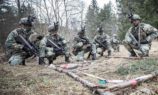 Soldaten des Jägerbataillons 18 in der neuen Uniform