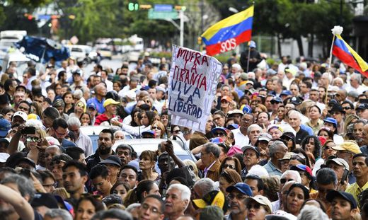 VENEZUELA-OPPOSITION-OPEN-MEETING