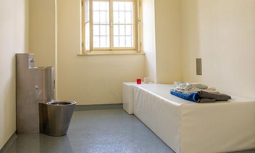 Einzelhaftraum in der Karlau