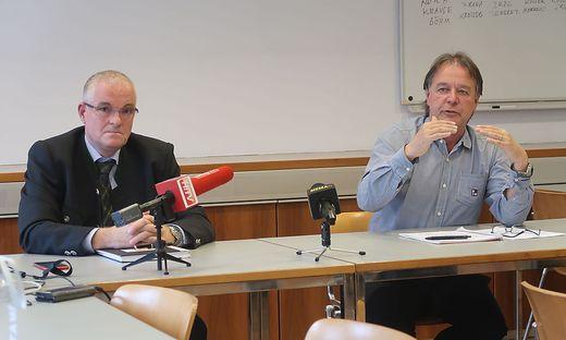 Bezirkshauptmann Bernhard Preiner und Wolfgang Klösch, Leiter des Corona-Teams, sind besorgt wegen des privaten Bereichs
