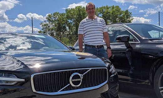 Martin Mayerhofer freut sich über die neue Volvo-Modelle