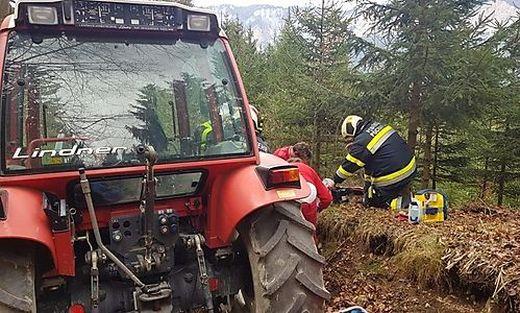 In einem Wald in Pöckau wurde ein Mann schwer verletzt