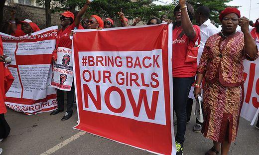 Die Entführung von 200 Schülerinnen löste einen Aufschrei und eine Kampagne in den sozialen Medien mit dem Hashtag #bringbackourgirls aus.