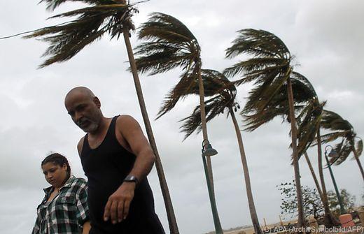 Schweres Erdbeben in der Karibik - Tsunami-Warnung aus den USA