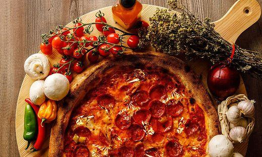 Im Restaurant La Piazza bekommt man eine ´Pizza Oro´ für satte 249,99 Euro