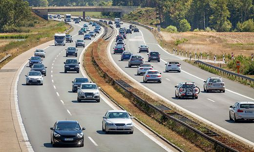 Wie stark sollen Autobauer die CO2-Emissionen senken?