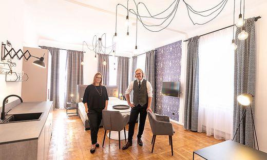 Wollen Altes bewaren und Neues schaffen: Architektin Daniela Reisinger und Interior- Designer Michael Ernest Schranzer.