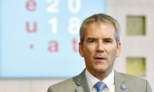 Zwei statt drei Prozent: Finanzminister Hartwig Löger