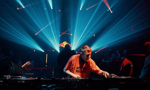 Gilles Peterson in Aktion beim Elevate-Festival