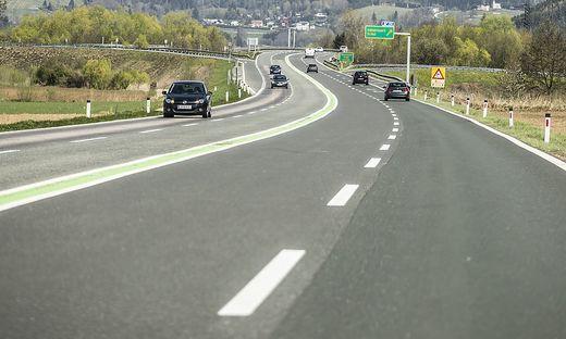 Die Anrainer fordern eine Section Control an der S 37 und B 317 sowie eine sofortige Trennung der Fahrspuren, etwa durch wechselseitiges Sperren einer Spur