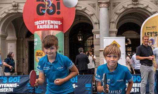 Mariia Lytvyn und Jonas Lichtenberg vom USV Indigo eröffneten die Tischtennis-Challenge am Grazer Hauptplatz. Beide räumten heuer schon Medaillen bei den österreichischen Meisterschaften ab