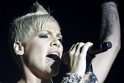 Sängerin Pink warnt vor sozialen Medien