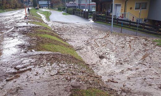 Im Ortsgebiet von Döbriach kam es zu mehreren Überflutungen und Verklausungen
