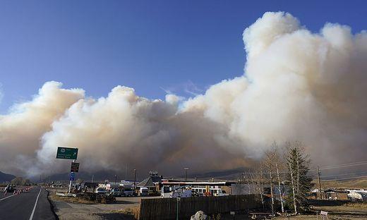 Feuer bereits auf einer Fläche von etwa 761 Quadratkilometer