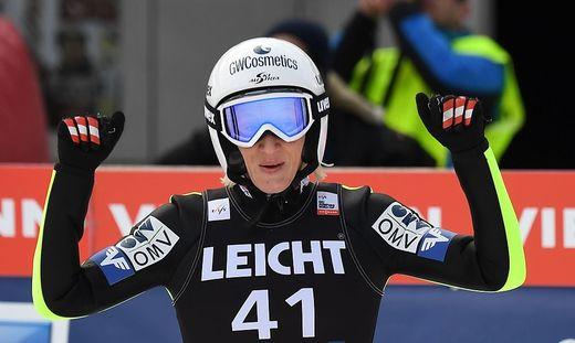 SKI-JUMPING-WORLD-WOMEN