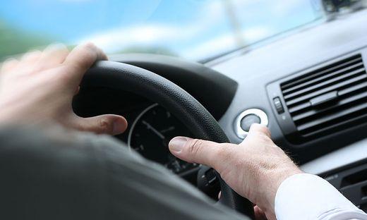 Quck Turn / Driving Car / Steering Wheel