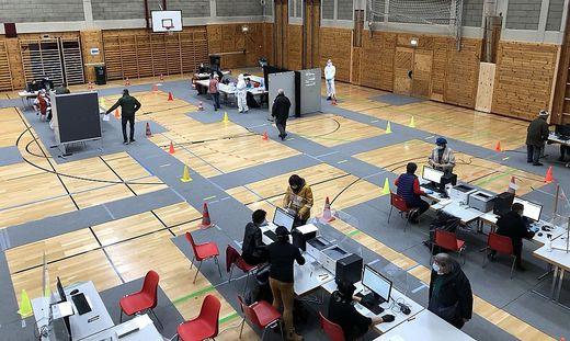 Ein Teil der Reinhold-Heidinger-Sporthalle in Leibnitz wird zur permanenten Teststation umfunktioniert