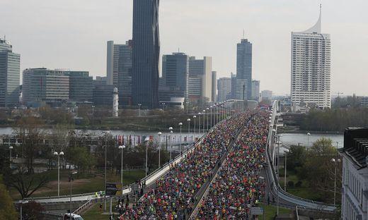 Der Läufer brach beim Marathon zusammen