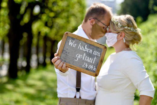 Hochzeit mit Munschutz