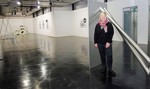 """Ursula Horvath wird mit der Ausstellung """"Strange"""" von Markus Wilfling zusätzlich ins Internet ausweichen"""