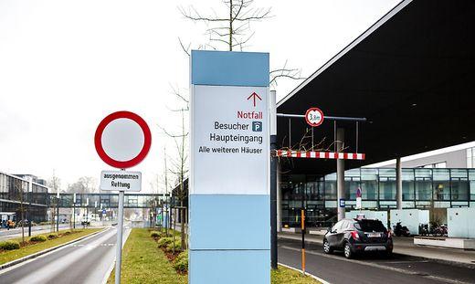 Die Ausfahrt endet für zwei Biker mit schweren Verletzungen im Klinikum Klagenfurt