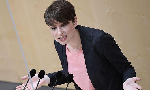 """Grüne Klubchef Sigrid Maurer: Die Versuche der Tiroler ÖVP, den Sager zu relativieren, seien """"erbärmlich"""""""