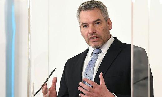 PK BUNDESREGIERUNG 'NEUAUFSTELLUNG DES VERFASSUNGSSCHUTZES IN OeSTERREICH': NEHAMMER