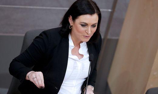 Umweltministerin Elisabeth Köstinger im Bundesrat.