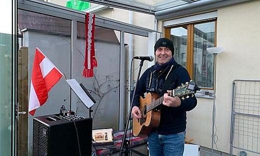 Der Kapfenberger Helmut Pekler beim Musizieren