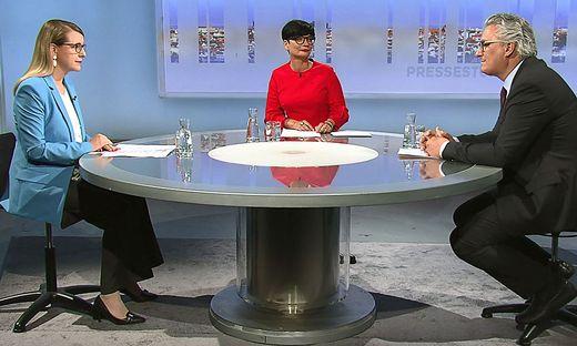 Wirtschaftsministerin Margarete Schramböck und Kleine-Chefredakteur Hubert Patterer bei der ORF-Pressestunde
