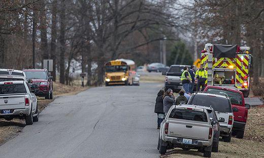 Ein Toter und Verletzte an High School