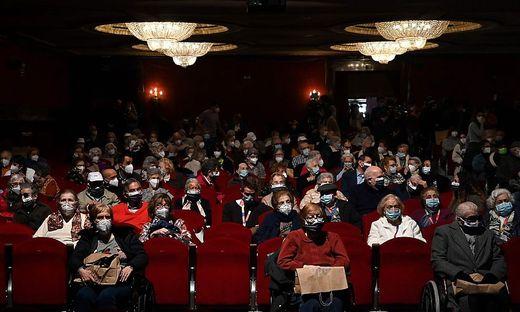 Umfassende Sicherheitsmaßnahmen in Spanien machen einen Opernbesuch möglich