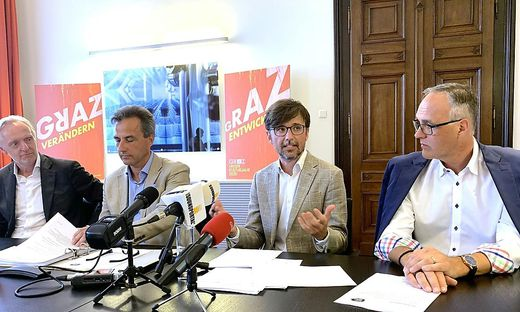 StR Günter Riegler, Bgm. Siegfried Nagl (beide ÖVP), Kulturjahr-Manager Christian Mayer, Kulturamtsleiter Michael Grossmann