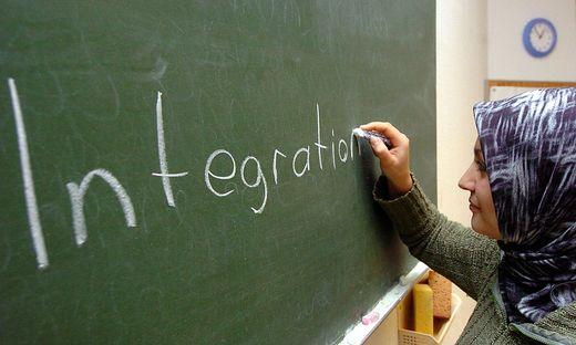 """An einer Kärntner NMS sollen Lehrer gezwungen werden, """"Asylantenkindern"""" gute Noten zu geben (Symbolbild)"""